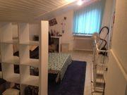 Schöne 2-Zimmer-DG-Wohnung an Frau zu