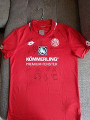 Handsigniertes Trikot von Mainz 05
