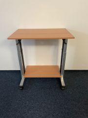Rollbarer höhenverstellbarer Tisch