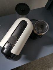 Nespresso Kapselmaschine mit Milchaufschäumer