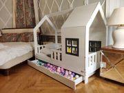 Ein Doppelbett Hausbett ASTER für