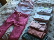 Frühlingshaftes Bekleidungspaket für Baby-Mädchen