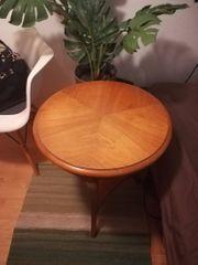 Rundes Tischchen