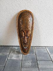 Dekorative Holzmaske