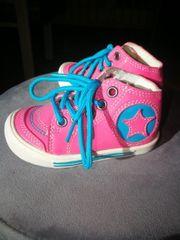 Süße Mädchen Sneakers in schönen