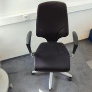 Bürodrehstuhl Giroflex mit Armlehnen sehr
