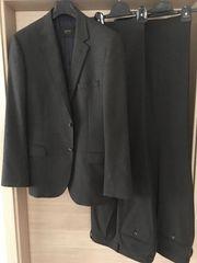 Neuwertiger ESPRIT Anzug mit 2