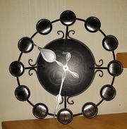 Wand-Uhr