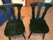 zwei Stühle von Kason grün