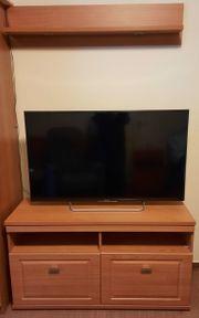 TV-Lowboard und Wandboard mit Beleuchtung