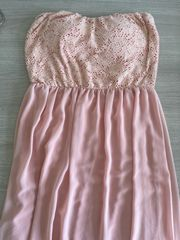 Hailys Kleid trägerlos Gr M