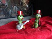 Raupe mit Hut und Saxophon