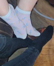 Fußbilder getragene Socken