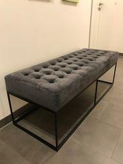 Samtige Sitzbank weich komfortabel