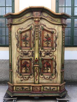 Hinreißender Bauernschrank bemalt Garderobe Möbel: Kleinanzeigen aus Gutenstein - Rubrik Garderobe, Flur, Keller