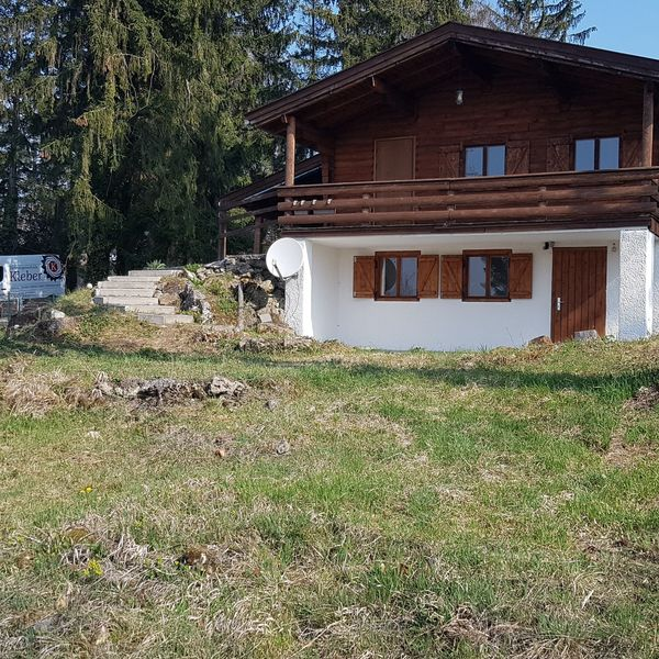 Holzblockhaus sucht Gartenliebhaber als 2