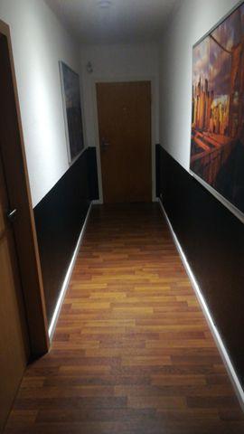 Bars, Clubs & Erotikwohnung - Zimmer an Erotik Dame zu