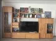 Schöner Wohnzimmerschrank kanadische Erle massiv