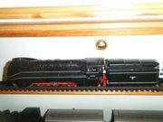 Stromlinienschnellzuglok BR03