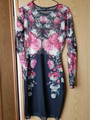 schönen Chiffon Kleid mit Rosenmotive