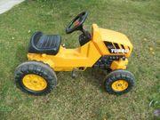 Traktor mit Pedalen zum Fahren