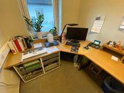 Büroeinrichtung Schreibtische Regale Schränke