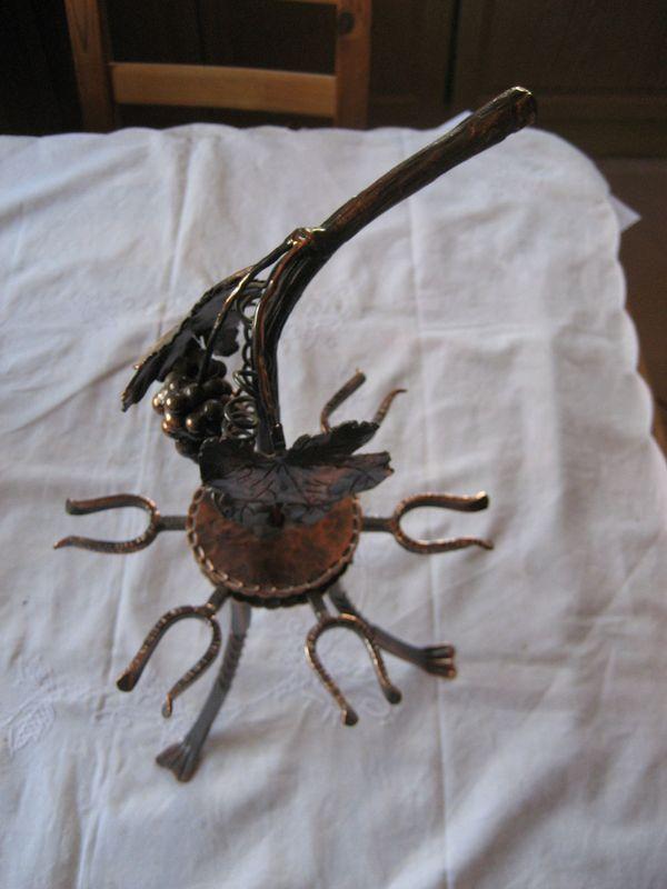 Weinglashalter aus Kupfer mit Drehteller