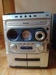 Stereoanlage mit Boxen
