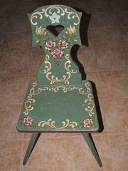 einzelner bemalter Massivholz-Stuhl - Bauernstuhl - Bauernmalerei