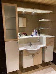Badezimmermöbel Waschtisch Beleuchtung