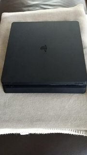 PS4 Slim 1Tera Byte gebraucht