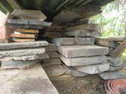 Holzdielen abgelagert verschiedene Harthölzer