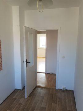 Vermietung 1-Zimmer-Wohnungen - 1Zi -Whg in Sangerhausen Großleinungen