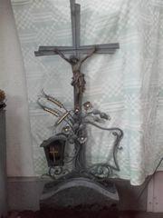 Schmiedeeiserenes Grabkreuz