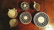 Bunzlauer Keramik 19-teiliges Geschirrset Teller