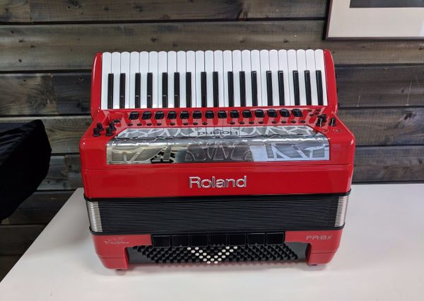 Neues Roland FR-8X RD Akkordeon