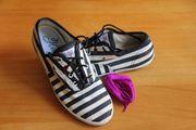 Maritime Sneaker Gr 41 Marke