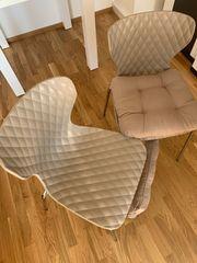 2 Stühle mit Sitzkissen zu