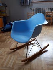 Kinderschaukelstuhl Charles Eames Style zu