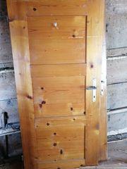 Alte Holz Türen zu verschenken