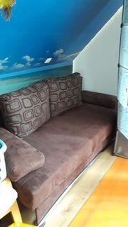 Sofa mit Schlaffunktion braun