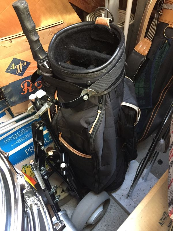 Golfbag Caddy Golftrolley mit Schirm