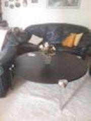 2 Sofas und ein Sessel
