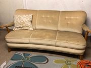 Couch im Cippendale-Stil