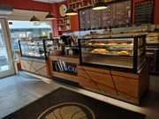 Hochwertige Café-Konditorei Einrichtung zu verkaufen