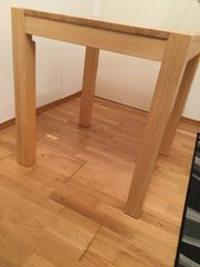 Quadratischer Holztisch zu verkaufen