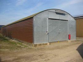 Vermietung Garagen, Abstellplätze, Scheunen - Stellplatz für Womo Wowa Pkw