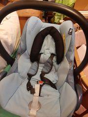 Maxicosi mit neugeborenen Einsatz