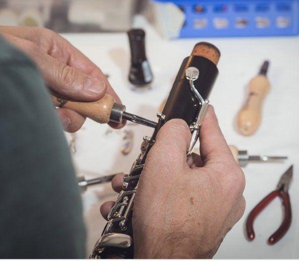 Jahres Service - Polsterung erneuern-Reinigung und Glenzen