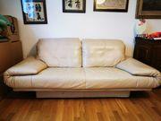 Cremefarbenes Leder Sofa